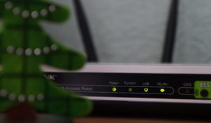What is the difference between a 2.4 GHz and 5 GHz WiFi Frequencies?