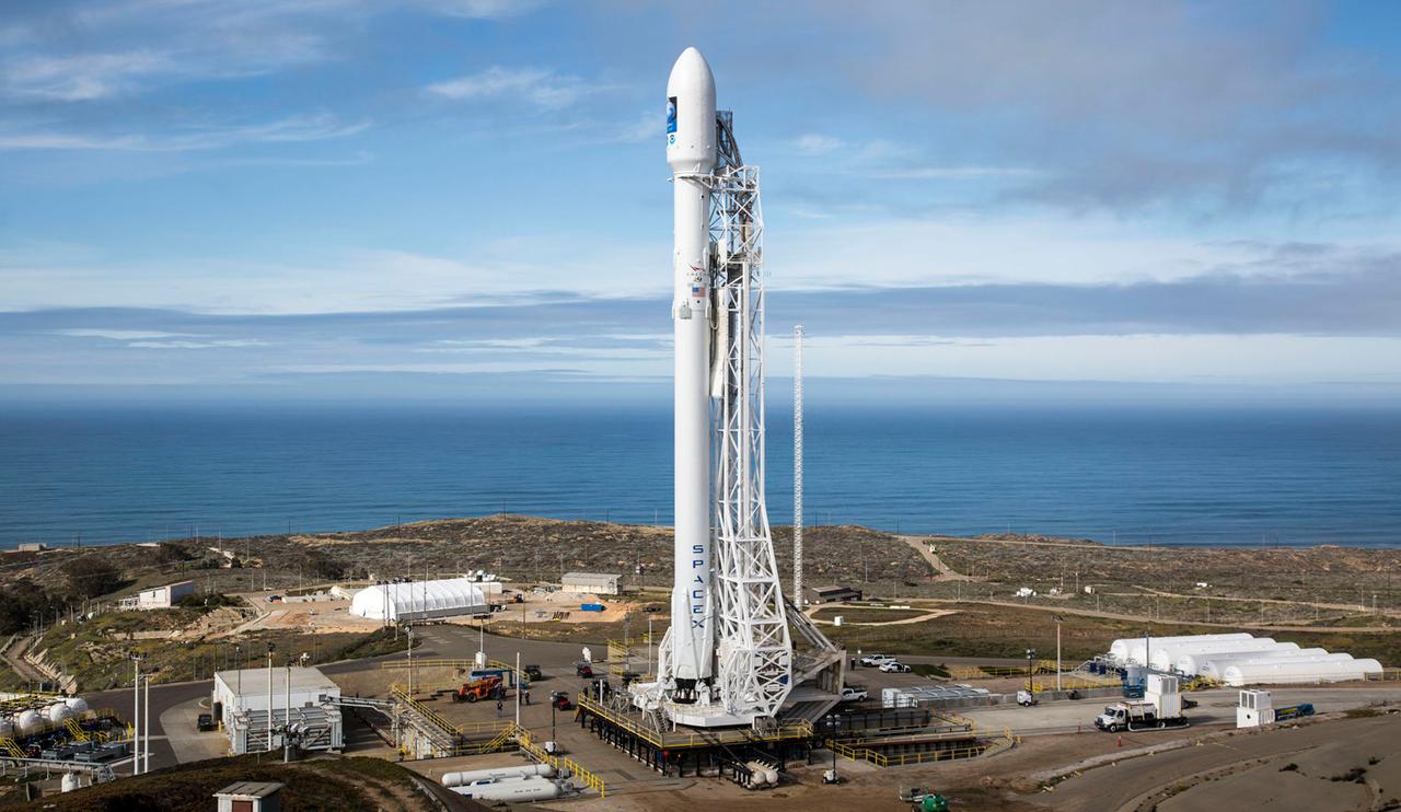 SpaceX drops plan to make Falcon 9 rockets more reusable