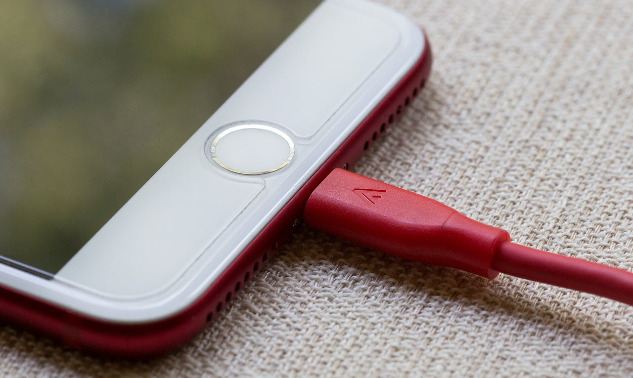 Is it okay to leave your phone on charge all night? Tips for a healthy battery