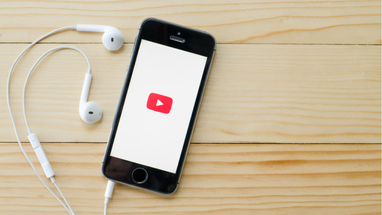 Top 11 tech channels on YouTube that you must check out