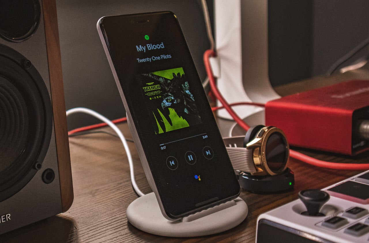 Wireless Charging vs Wired Charging: Is wireless charging better?