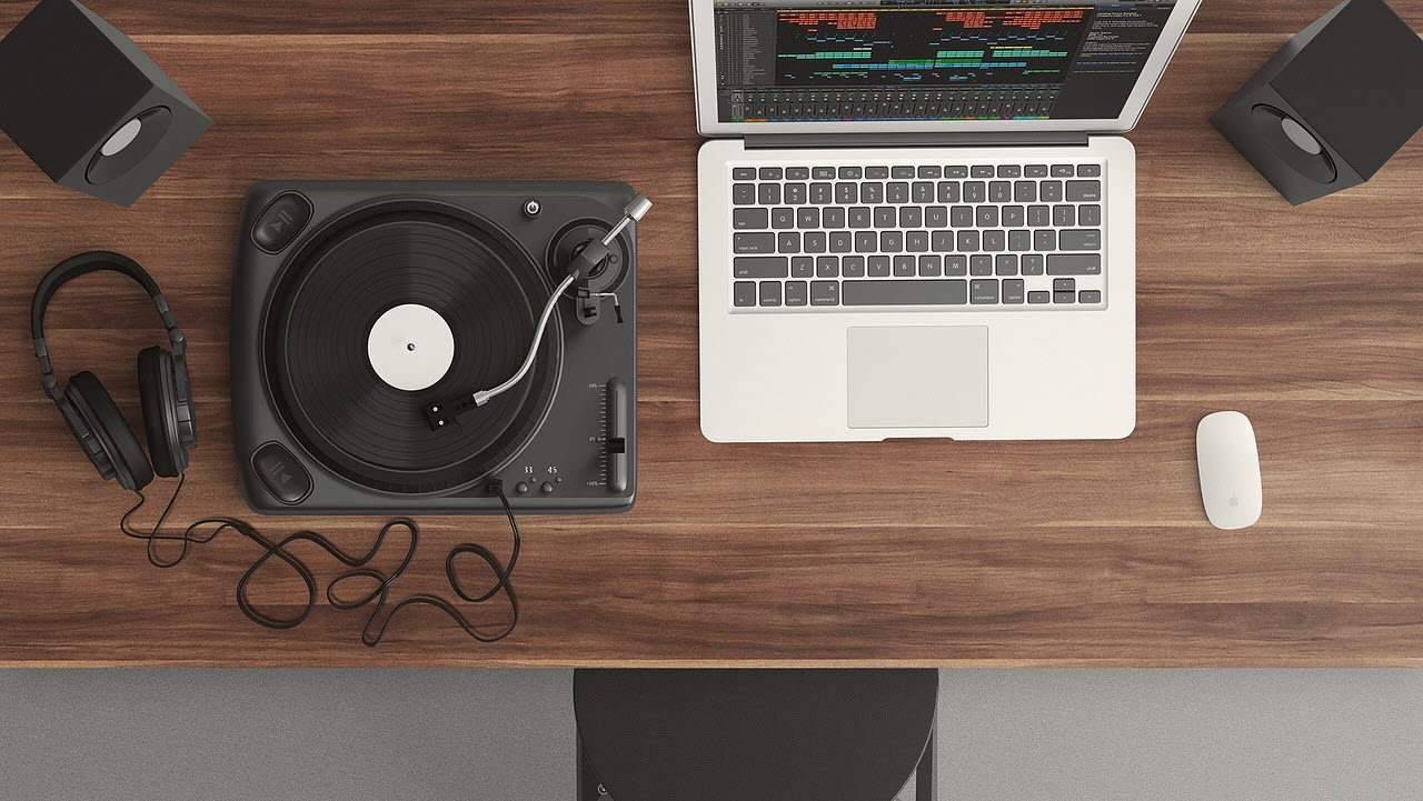 Top 3 apps and gadgets for music production | Candid.Technology