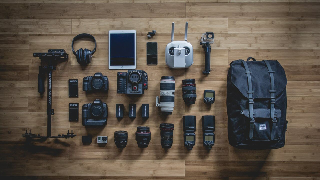Photography 101: 10 must carry items for every photographer