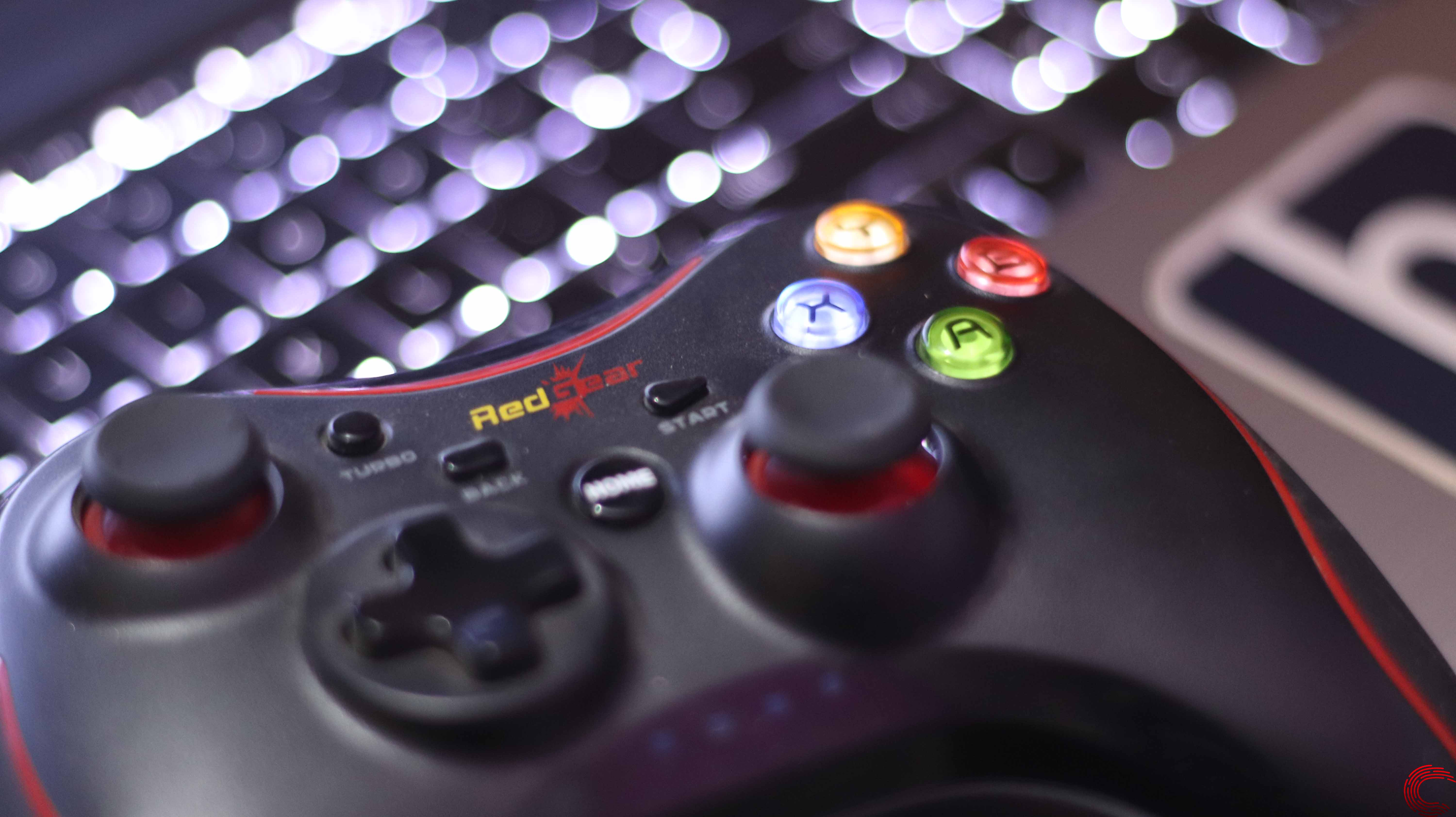RedGear Pro Wireless gamepad review: Value for money?
