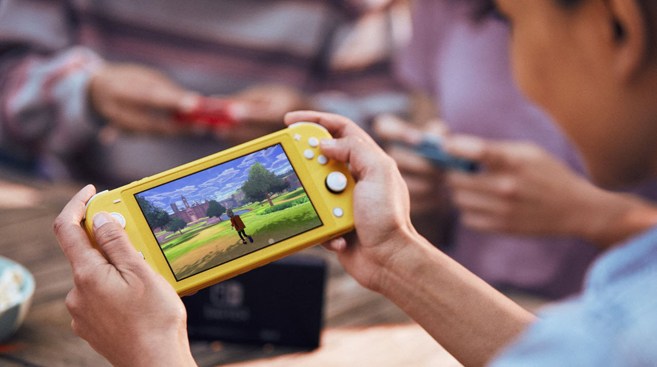 Nintendo Switch Lite vs Nintendo Switch: Differences and Similarities