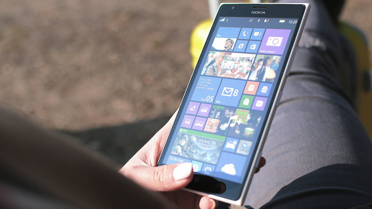 Why I loved Microsoft's Windows Phone and why it died?