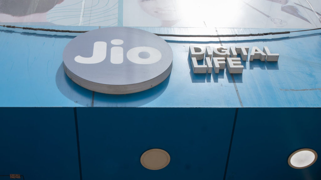 Reliance Jio to start charging for outgoing calls to other networks at 6p/min
