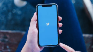 Top 7 Twitter video downloaders and How to use them?