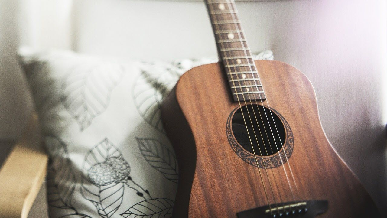 7 coolest apps for learning guitar on Android and iOS