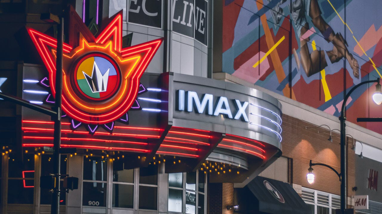 What is IMAX? Should you spend the extra bucks to watch IMAX movies?