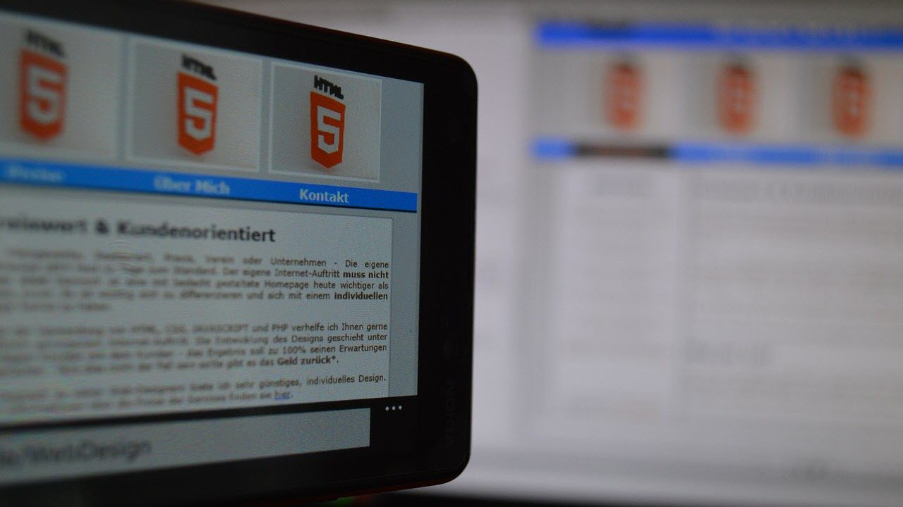 What's the difference between HTML, XHTML and HTML5?