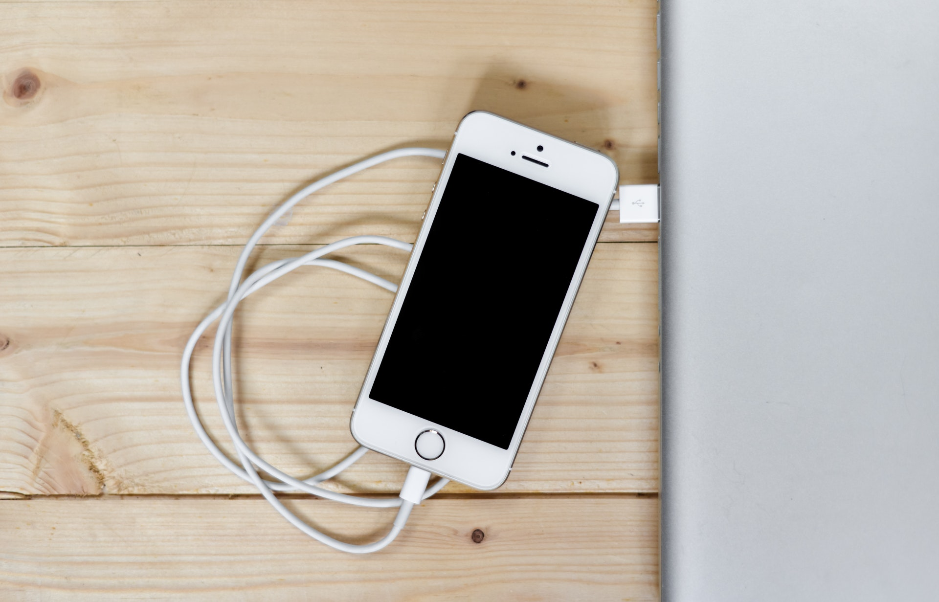 How to save the battery of your iPhone? | Candid.Technology