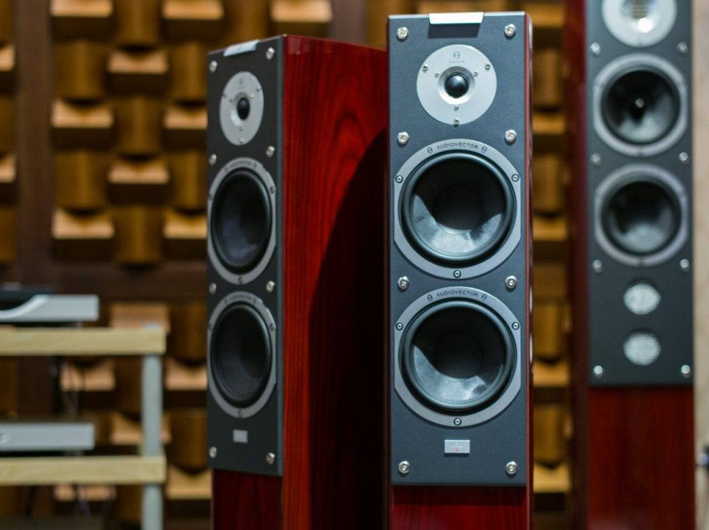 2-way vs 3-way speakers: Key differences